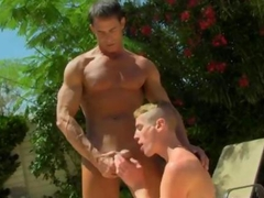 old hunky dude gets to be sucked by a twink