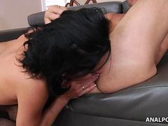 Veronica Avluv is a pornstar eager to be pussy munched