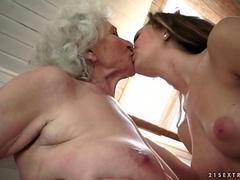 Granny loves young girl in the bathroom