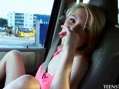 Teen skinny blonde gives her first BJ in car