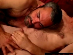 Straight dilf bear loves jizz in beard