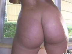 Juicy butt brunette gets pounded