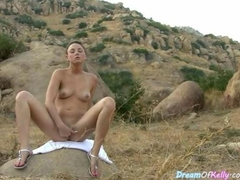 Adventurous Kelly Fingering Her Pussy In A Hiking Route