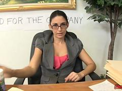secretary gives her boss a handie segment