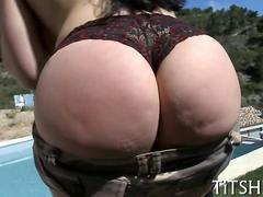 brunette with a sweet juicy ass sucking on the dick