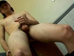 Young sexy 18 year old straight skater who loves his cock