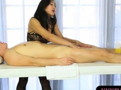 Asian masseuse receives cum on her feet after getting fucked