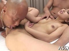Asian chicks hairy peach gets licked in a threeway