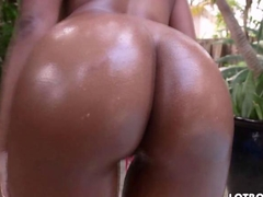 Amazing butt ebony Arianna Knight is sexy as fuck