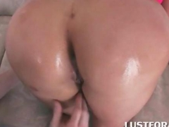 Fine ass hoe gets tasty ass hole licked good