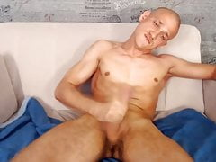 20yo twink Anthony with a great orgasm on webcam show